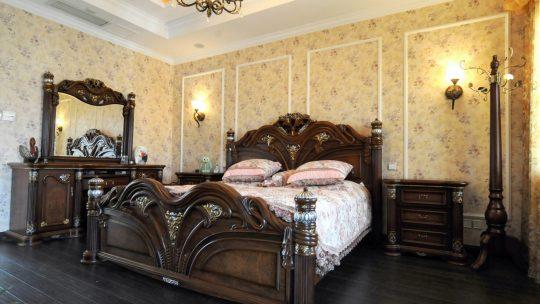 Стильные ретро кровати в современном интерьере